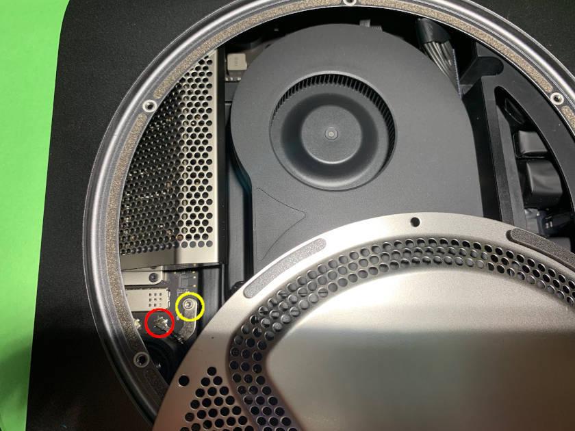 Mac mini 2018のWi-FiとBluetoothアンテナケーブル