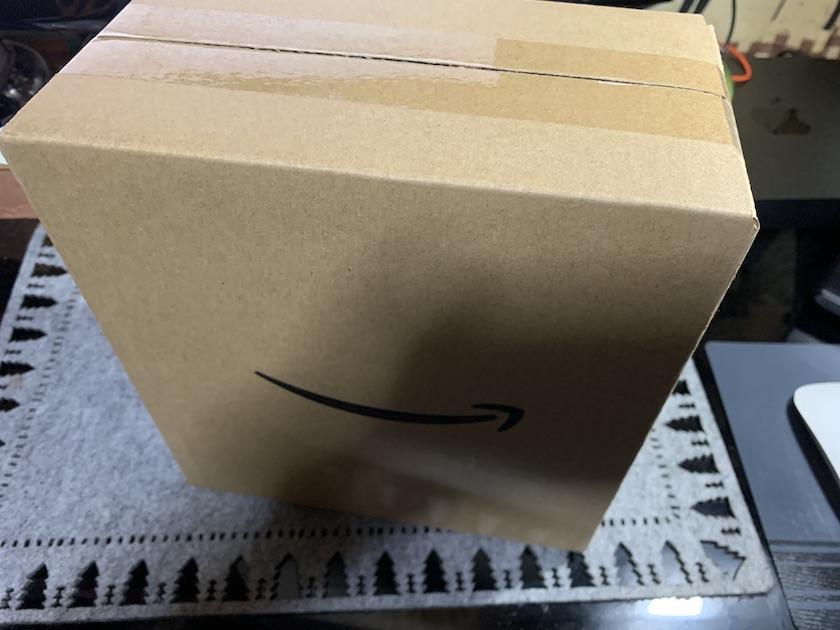 Echo Show 8の外箱の外箱
